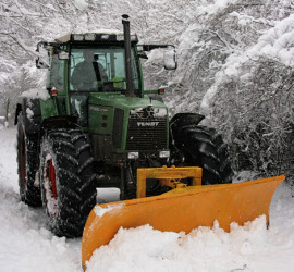 Tractor-cum-snowplough,_Four_Lanes_End_-_geograph.org.uk_-_1655569